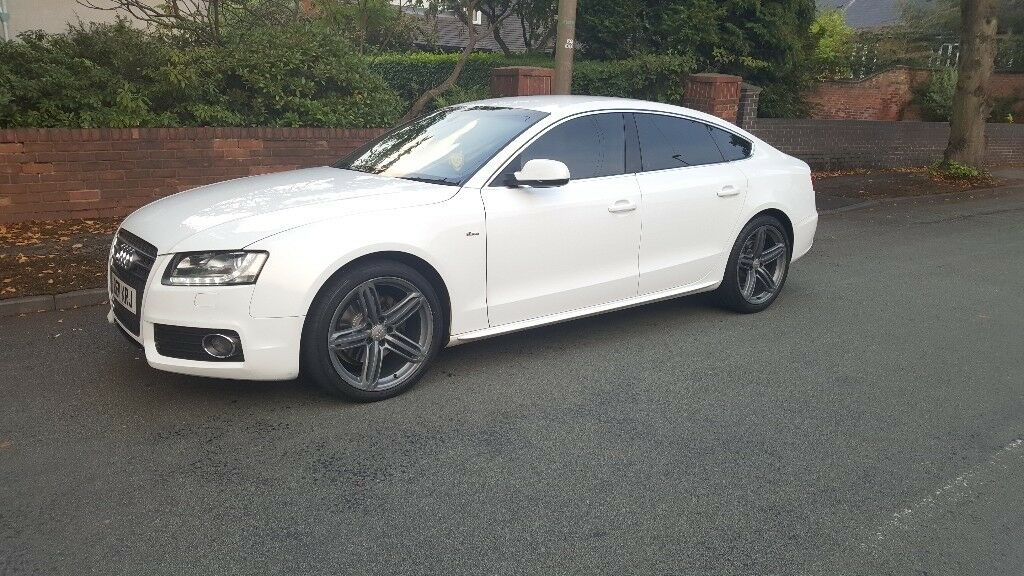 Audi A5 Sportback White With Black Leather 2011 Mint Condtion In