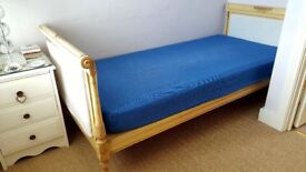Single bed- Victorian wooden frame with mattress