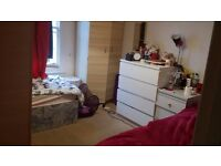 FEMALE ROOMSHARE IN TWIN ROM FULHAM AREA