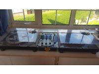 Two Technics sl1210 mk2 and Gemini mixer