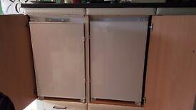 Fridge and/or freezer