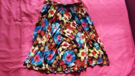 Floral summer skirt size 8 or 10 new without tag