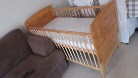 Cot bed with mattress 140x70 cm