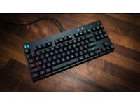Logitech G Pro gaming keyboard (no cable, problem with connection)