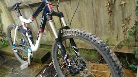 Kona One20 (18in Frame) With Rock Shox Revelations