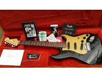 FENDER USA DELUXE STRATOCASTER 2004 BLACKIE STUNNING ..VGC
