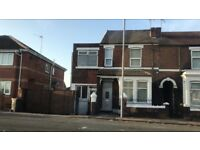 3 bed house to let with off-road parking with commercial usage