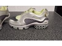 Reebok pump running trainers Size 4/5. Worn once.