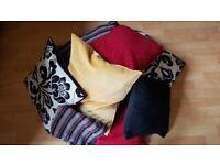 8 Cushions (mixed)