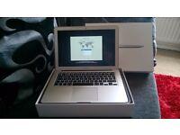 Apple Macbook Air 13.3 / 1.4GHz / 8GB / 256GB Flash Storage