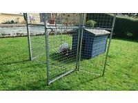 2x Galvanised dog run fencing panels 6'x6' (1.8m x1.8m) one w/door & lock