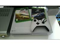 Xbox One +2 games