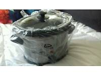 Brand new 3.5 litre slow cooker