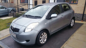 Toyota Yaris Zinc for sale in very good condition!!! very low millage!!!