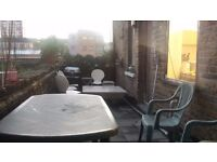 Fulham Large Bright Twin Room Share for 1 Person Available