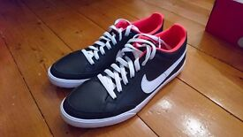 Mens Nike Trainers Size 9 £30
