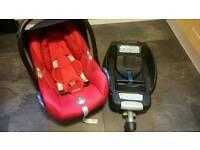 Maxi cosi cabriofix car seat and maxi cosi isofix