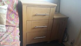 Bed side table URGENT