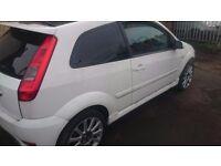 Fiesta RS 2005, spares or repairs , white 2 door alloys