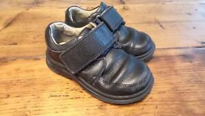 Boys Leather Shoes Size 9 Youth / Souliers Grandeur 9 Enfant