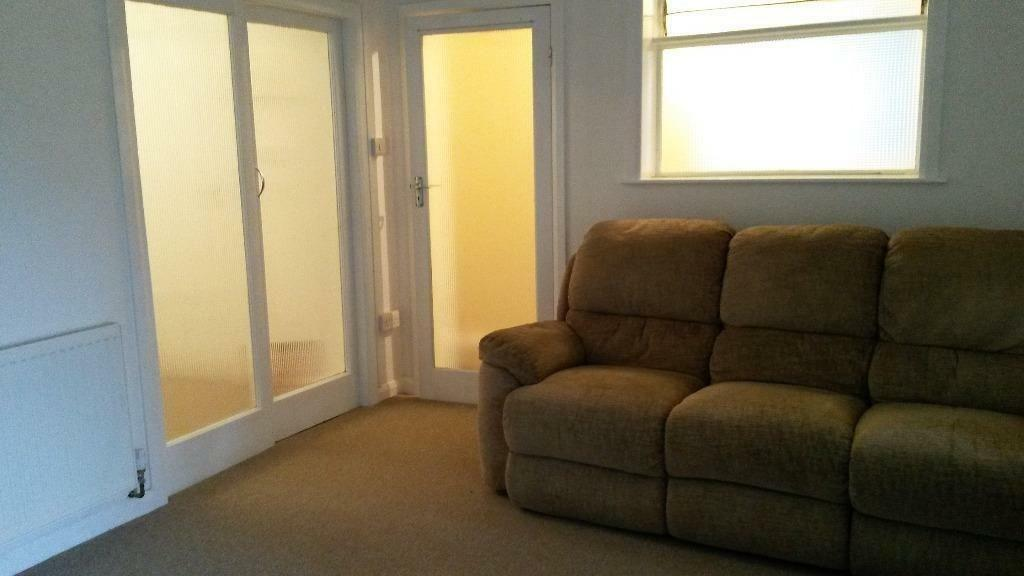 GROUND FLOOR 1 BED FLAT TON RENT IN LEYTONSTONE! ALL BILLS INCLUDED!! 10 MINS FROM LEYTONSTONE ST.