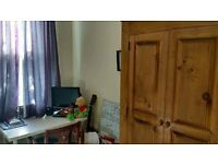 ROOM AVAILABLE IN SHARED HOUSE, JUST £260 PCM PLUS BILLS