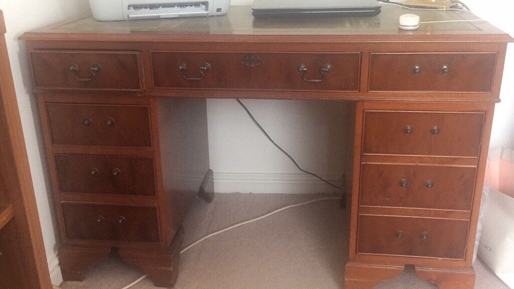 Old Fashioned Style Office Desk
