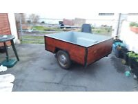 Trailer lovely trailer ideal for camping solid wood with aluminium edging light to tow.