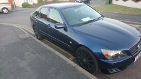 Lovely (90% mint) lexus is200 sport