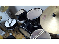 complete set of pearl drums in good condition