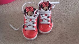 New Minnie Mouse girl shoes Disney