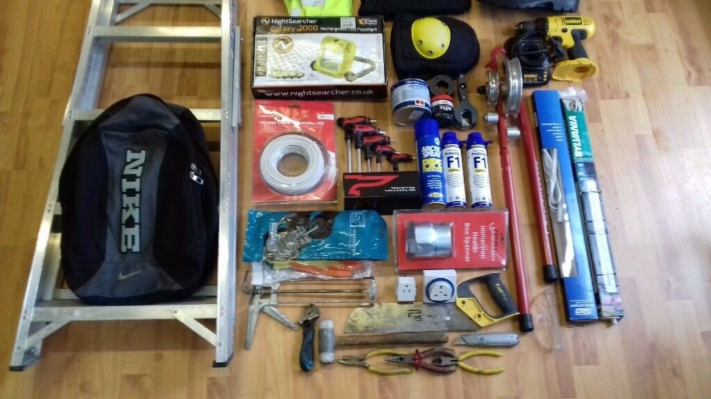 !_(£90) Set of building materials_!