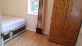 Large Room at £450/month or £100/week inclusive of bills near Waltham Cross/Theobalds Grove Stations