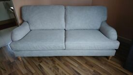 RAND NEW JOHN LEWIS 3 SEATER SOFA IN LIGHT GRAY WITH WOODEN LEGS.