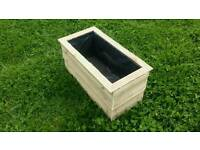 """26"""" x 13"""" Feather-edge fully lined plant box"""