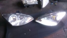 FORD FOCUS MK2 2004 HEADLIGHTS. EXCELLENT CONDITION