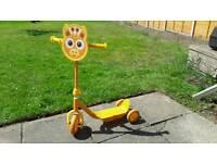 Child's Giraffe scooter
