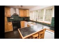 Kitchen Units, Worktop and Range Cooker