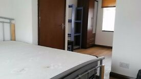 DOUBLE ROOM WITH ITS OWN SHOWER ROOM FOR SINGLE PERSON IN DAGENHAM