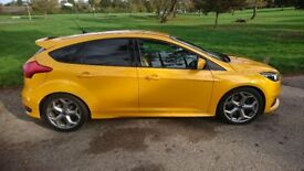 Low milage full service history with next 3 services and mot,s with ford included worth £800