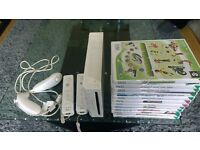 Nintendo Wii in Good Condition Fully working with 4 controllers and lots of games