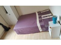 BRIGHTLY DOUBLE ROOM IN MANOR HOUSE, N4