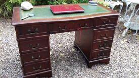 Mahogany Antique Reproduction Serpentine Leather Top Pedestal Writing Desk / Table