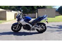 Suzuki GSR600 Motorbike