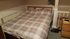 Lovely double loft room to let £420 per month