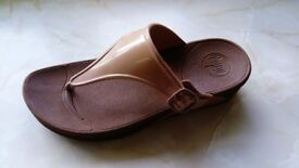 Fitflop Size 6 Superjelly nude