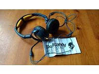 Skullcandy headphones for sale. Navy/Gold. Has mic for use with a phone. As new condition.
