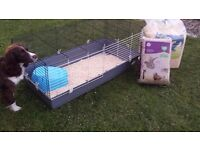 Large 'Ferplast 120' guinea pig cage and accessories
