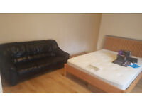 Double Room Close to the Station in Forest Hill