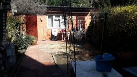 Garden Studio, fully furnished, 2 mins from tube all inc